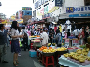 South Koreas street food vendors
